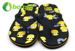 Mens Flip Flops with Top Quality And Anti-slip Sole with Factory Price with Minions Design