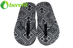 Slippers for Men for Beach Style with National Style Canvas To Cover Sole And Canvas Upper