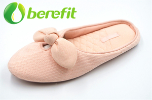 Warm Indoor Slippers Women with Washable And Warm Fabric Material